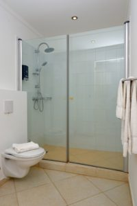 2 BEDR Seaside Deluxe_bathroom